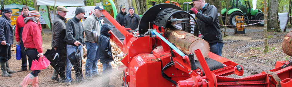 firewood_processor_in_action_slider_image